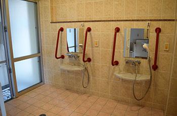 浴室(各階共用)